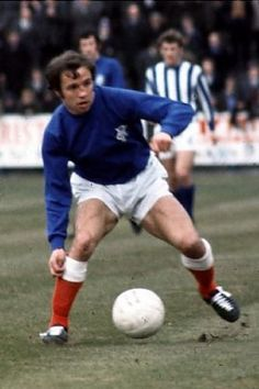 Season Rangers Willie Henderson In Action For Rangers Stock Photo, Royalty Free Image: 28753315 - Alamy Rangers Football, Rangers Fc, Football Pictures, Soccer Players, Glasgow, The Past, Kicks, Action, Seasons