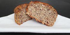Utroligt lækre sunde muffins med æble og et strejf af kanel. De lækre kager indeholder ingen usunde ting, men får deres sødme fra de små stykker af frisk æble, æblemost og dadler.