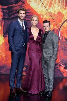 Liam Hemsworth, Jennifer Lawrence y Josh Hutcherson. Juegos del hambre sinsajo 2 parte