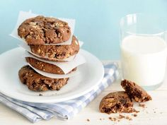 10 Guilt-Free Cookie Recipes : Chocolate Oatmeal Cookies