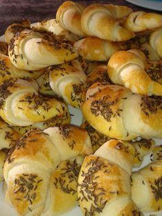Cumin crescent rolls