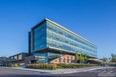美国奥克兰大学工程中心外部实景-美国奥克兰大学工程中心第2张图片