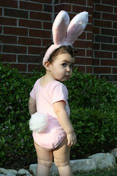 Bunny costume - is that a loofah for the tail? That would be easy!--- hehe I think I found some fun photos coming on for Easter time! Baby Halloween Costumes, Baby Costumes, Baby Bunny Costume, Cute Toddlers, Cute Kids, Funny Babies, Cute Babies, Funny Baby Photography, Baby Kostüm