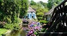 B De Galeriet Giethoorn , Giethoorn, Netherlands  I want to live here!