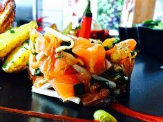 Tartare de saumon thaï Food Pics, Food Pictures, Restaurant, Sushi, Japanese, Ethnic Recipes, Salmon Tartare, Japanese Language, Diner Restaurant