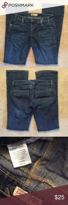 Lei Ashley low rise denim jeans sz 0 like new LEI Ashley with low rise denim jeans. Style SLXJJ2612A cut 4T278 dark blue denim lei Jeans