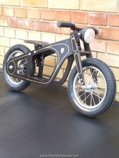 Zundapp Balance-bike, oldtimer style, bike for beginners - Fahrrad Wood Projects, Woodworking Projects, Wood Bike, Wooden Scooter, Balance Bike, Kids Bike, Pedal Cars, Go Kart, Wood Toys
