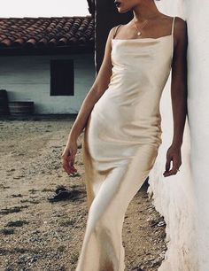 Fashion Tips Outfits Satin slip dress obsession.Fashion Tips Outfits Satin slip dress obsession Satin Dresses, Ball Dresses, Silk Dress, Prom Dresses, White Satin Dress, Long Satin Dress, Satin Gown, Style Personnel, Girls Formal Dresses