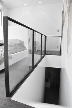 Lüst Metallgestaltung / Kunstschmiede More, Loft Railing, Balcony Railing Design, Staircase Railings, Modern Staircase, Staircase Design, Banisters, Glass Stairs, Glass Railing, Floating Stairs