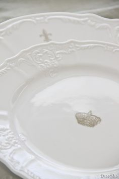 love these white plates!! Always use white. The royal crown adds just enough to this setting.