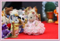 vintage pink DIY dress no pattern miniature gown Calico Critters Sylvanian Families Sylvanian Royal Gala Event:  Sylvanian celebrities on the Red Carpet