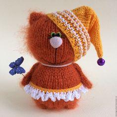 Knitted Cat, Knitted Dolls, Crochet Dolls, Crochet Hats, Amigurumi Patterns, Doll Patterns, Knitting Patterns, Cat Doll, Christmas Knitting