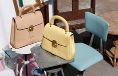 e20232942477 Twitter. It s what s happening. Accessorize BagsLuxury BagsBurberry ...