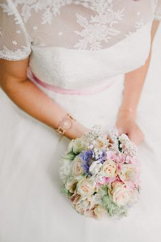 bridal bouquet, pastel colors