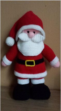 Free crocheting patterns - how to crochet a baby hat - DIY hand made home made santa hat pattern for babies - Christmas time crochet tutorial for todd Another Jean Greenhowe pattern, made for my lovely sister for Christmas 2013 Gruau's artwork often echoe Crochet Santa, Holiday Crochet, Diy Crochet, Crochet Crafts, Crochet Dolls, Crochet Projects, Crochet Christmas Decorations, Christmas Knitting Patterns, Xmas Crafts