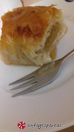 Μηλόπιτα σαν γαλακτομπούρεκο #sintagespareas Greek Desserts, Greek Recipes, Fruit Recipes, Apple Chips, Apple Pie, Sweet Tooth, Pudding, Sweets