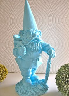 Tubble the Gnome- I totally want to buy a gnome and spray paint it now!