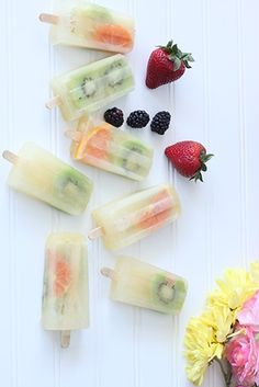 How pretty are these homemade fruit popcicles?