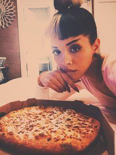 Melanie é melhor que pizza ❤