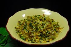 Spinach Puffed Rice Upma: Puffed Rice 2 1/2 Cups Spinach 2 Cups Packed Potato 1 Small (optional) Onion 1 Turmeric Powder a Pinch Garlic 2 Cloves Dalia 1 1/2 Tbsps Salt to taste Talimpu: Mustard Seeds 1/4 tsp Cumin Seeds 1/4 tsp Urad Dal 1/4 tsp Curry Leaves 5