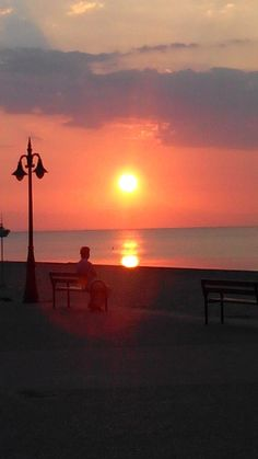 See 179 photos and 16 tips from 1760 visitors to Περαία. Thessaloniki, Good Day, Four Square, Greece, Outdoors, Celestial, Sunset, Beautiful, Naturaleza
