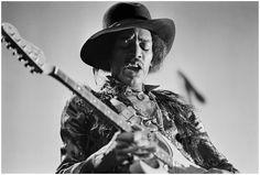 'Magic Hands' Jimi Hendrix, NYC 1968 – Photo Elliott Landy
