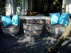 #Ambachtelijk gemaakte #lounge set van #eikenhouten #wijnvaten.