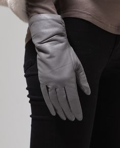 Simple leather gloves / Genuine leather gloves at bosroom.com #Leathergloves #Gloves #Sheepskingloves #Simplegloves #Wintergloves #Winter #Ootd #Acc #Accessory #Accessories #Hand #Leatheracc
