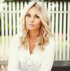 Follow Boudine Nagel on Facebook and instagram Hair Makeup, Make Up, Facebook, Instagram, Party Hairstyles, Makeup, Beauty Makeup, Bronzer Makeup