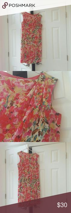 Ann Taylor Summer Dress Pictures do not do this dress justice. Recieved many compliments. Gently loved, reflected in low price. Ann Taylor Dresses