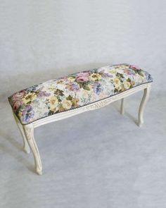 ゴブランフラワーが素敵なイタリアのベンチ(アンティーク風ホワイト):輸入家具、イタリア家具の通販:アピタス