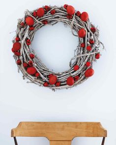 Red Eggs Wreath Lush scarlet eggs glued to a silvery grape-wood wreath create a crisp, welcoming image. This one features both hollowed chicken eggs and quail eggs, whose speckled shells truly look like art once they've been dyed red. Easter Tree, Easter Wreaths, Easter Eggs, Christmas Wreaths, Xmas, Spring Wreaths, Wood Wreath, Diy Wreath, Grapevine Wreath
