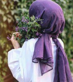 The particular scarf is the most essential bit inside clothing of girls using hijab. Hijab Chic, Stylish Hijab, Hijab Fashionista, Hijabi Girl, Girl Hijab, Modern Hijab Fashion, Muslim Fashion, Beau Hijab, Hijab Hipster