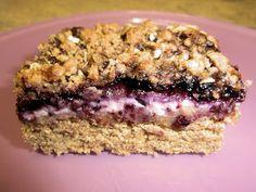 Blueberry ricotta lemon crumb bars - Crostata alla marmellata di mirtilli, ricotta e limone con crumble ai fiocchi d'avena