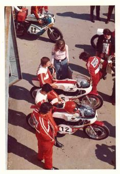 Jarno and Soili Saarinen and Hideo Kanaya Grand Prix, School Pictures, School Pics, Racing Motorcycles, Sports Stars, Motorbikes, Yamaha, Photo S, Retro