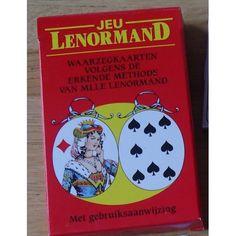 Mlle Lenormand WaarzegkaartenDe kaarten van Madame Lenormand lijken eenvoudig en simpel. Maar, vergis je niet. Deze kaarten zijn over de hele wereld een begrip. Haar kaarten zijn in iedere New Age winkel, waar dan ook, te krijgen. De bekende helderziende Aimée Zwitser werkte meer dan vijftig jaar met de kaarten van Madame Lenormand. In het werkboek beschrijft ze de vele betekenissen van de kaarten en de verschillende methoden om de kaarten te leggen.