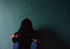 Cruel maestra humilló a niña por menstruar en clases. Fue tanta la vergüenza que se suicidó