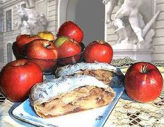 Apfel Strudel: How to make apple strudel, step by step with pictures