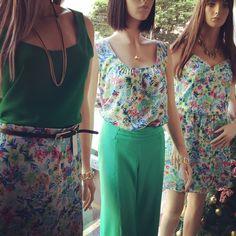 Vitrine Closet Mulher! Saia, top, alfaiataria, vestido e acessórios. www.facebook/closetmulher