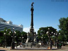 Salvador, Bahia, Brasil - Largo do Campo Grande (monumento aos heróis das batalhas da Independência da Bahia)
