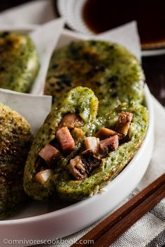 Chinese BBQ sticky rice cake - A fun way to enjoy leftover BBQ! The green cake is made with kale, creating a refreshing flavor that goes well with the savory filling. | omnivorescookbook.com