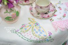 Bernideen's Tea Time Blog: TEA IN THE GARDEN