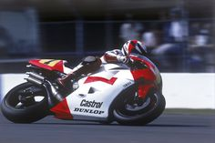 on the limit …Wayne Rainey, Marlboro Roberts-Yamaha...