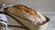 No knead bread i form Norwegian Bread Recipe, Norwegian Food, Norwegian Recipes, No Bake Snacks, No Knead Bread, Fresh Bread, Pancakes And Waffles, Bread Rolls, Hot Dog Buns