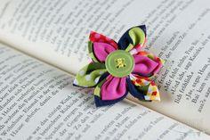 "Kanzashi Haarspange ""Pink & Green"" Bunt, Stud Earrings, Jewelry, Hair Fascinators, Jewellery Making, Earrings, Jewels, Ear Gauge Plugs, Jewlery"