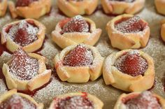 ciasteczka ztruskawkami Cookie Recipes, Biscuits, Recipies, Cheesecake, Food And Drink, Sweets, Cookies, Blog, Cabin