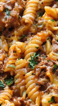 This crockpot casserole is made with pasta shells, beef and cheese. It's one of our favorite family dinner recipes! Ground Beef Pasta, Chicken Parmesan Pasta, New Recipes For Dinner, Slow Cooker Tacos, Casserole Recipes, Hamburger Casserole, Pasta Casserole, Tex Mex, Pasta Dishes