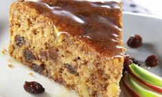Made with whole wheat flour, this apple cake appeals to adults and children and takes raisins, nuts or nut-nut PICAD Apple Recipes, Sweet Recipes, Cake Recipes, Dessert Recipes, Cooking Bread, Cooking Recipes, Food Cakes, Cupcake Cakes, Just Cakes