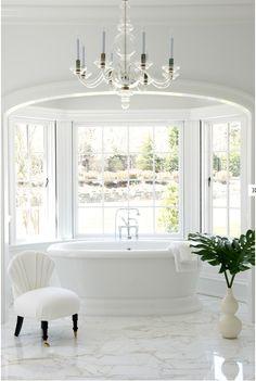 Salles de bain | Une salle de bain de luxe | #salledebain, #décoration, #luxe. Plus de nouveautés sur magasinsdeco.fr/