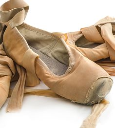 My Pointe Shoe Story – From Beginner to Airess. New blog on Dance Life, via Dance Informa.